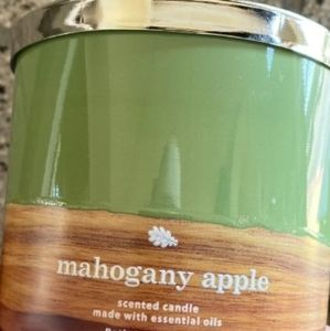 Bath and body works mahagany apple candle